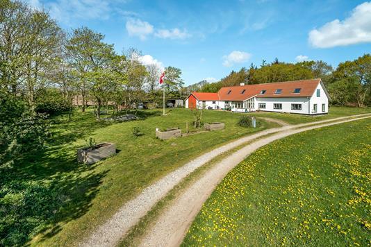 Landejendom på Ullerupvej i Løgstør - Ejendommen