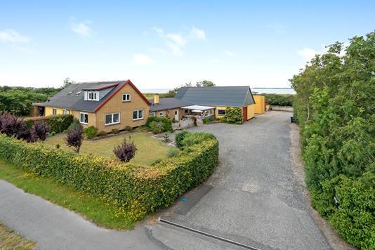 Villa på Aggersundvej i Løgstør - Ejendommen