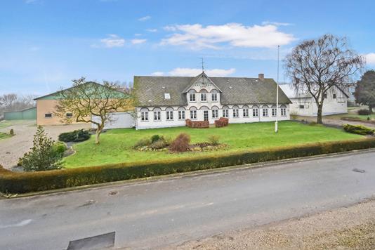 Landejendom på Oksbøl Søndergade i Nordborg - Ejendommen