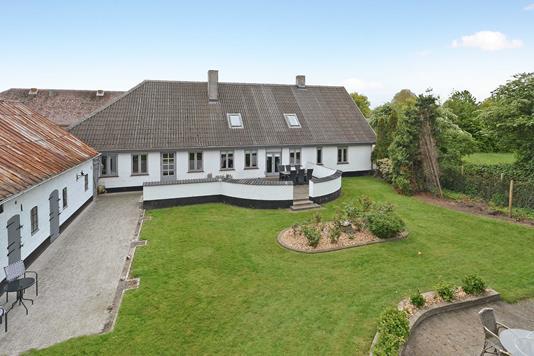 Villa på Ravnsbjergvej i Nordborg - Ejendommen