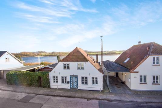 Villa på Stavensbølgade i Augustenborg - Ejendommen