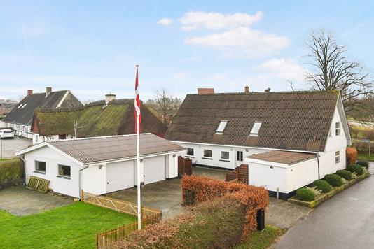 Villa på Lykkevej i Augustenborg - Ejendom 1
