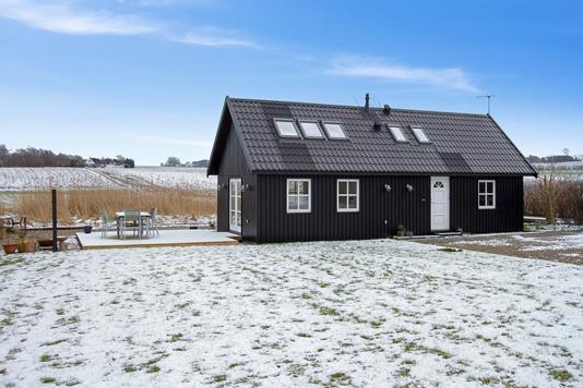 Fritidsbolig på Tjørnelunden i Store Fuglede - Set fra haven