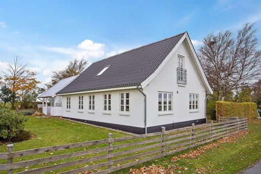 Villa på Urhøjvej i Store Fuglede - Ejendommen