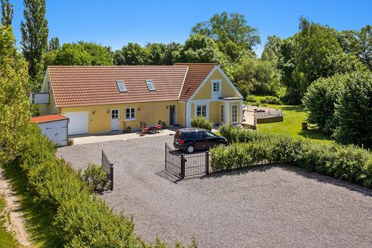 Villa på Saltbækvej i Kalundborg - Set fra vejen