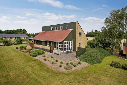 Villa på Kirkebakken i Svebølle - Set fra haven