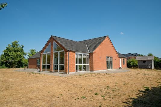 Villa på Møllevangen i Gørlev - Set fra haven