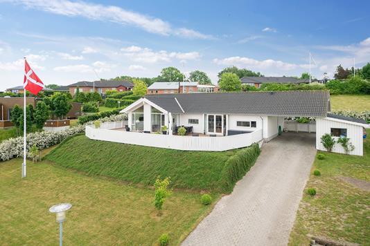 Villa på Fasanstien i Kalundborg - Set fra vejen