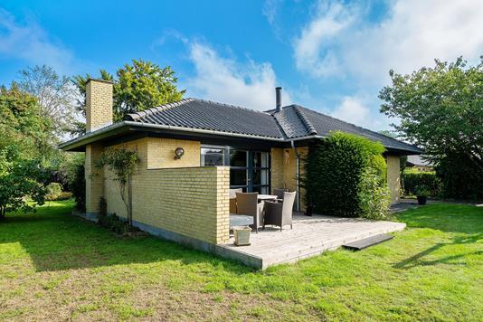 Villa på Acacievej i Jerslev Sjælland - Set fra haven