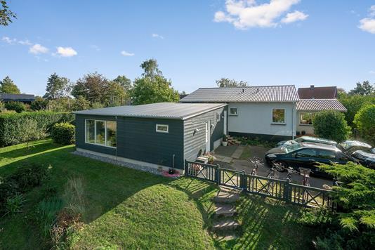 Villa på Raklev Skillevej i Kalundborg - Set fra haven