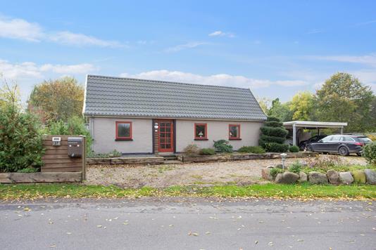 Villa på Rugtvedvej i Jerslev Sjælland - Set fra vejen