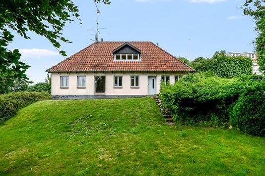 Villa på Søndersø Skovvej i Odense N - Ejendommen