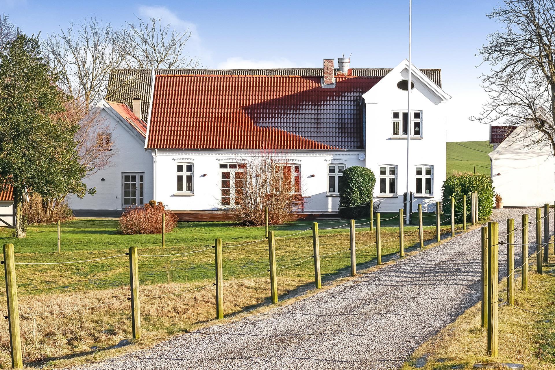 Landejendom på Langesøvej i Vissenbjerg - Ejendommen