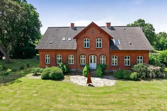 Landejendom på Bladstrupvej i Odense N - Ejendommen
