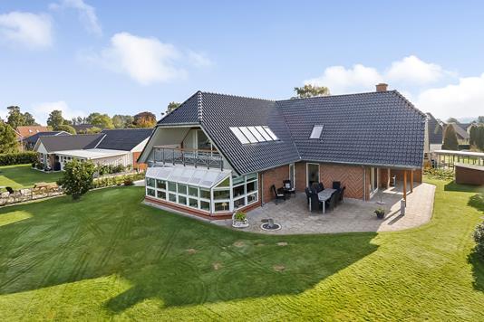 Villa på Lillevænget i Veflinge - Ejendommen