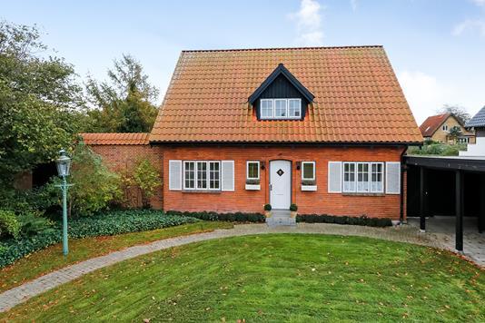 Villa på Benediktes Allé i Odense SV - Ejendommen
