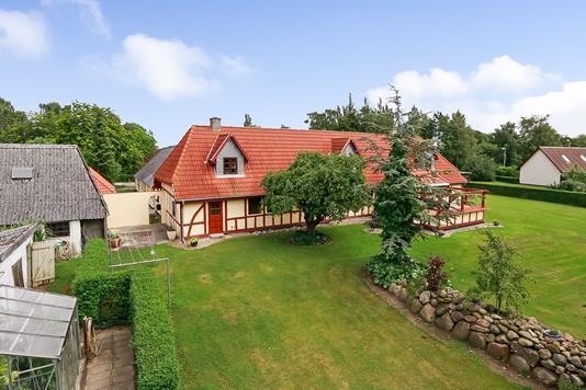 Villa på Kærbygade i Agedrup - Ejendommen