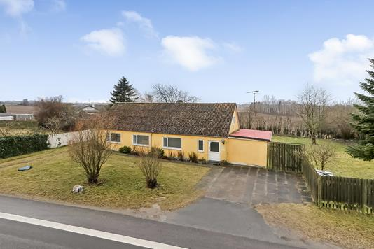 Villa på Bladstrupvej i Odense N - Ejendommen