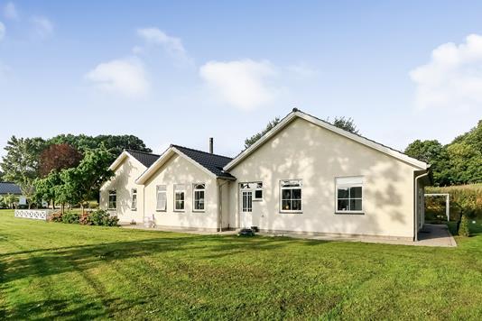 Villa på Nymarken i Blommenslyst - Ejendommen
