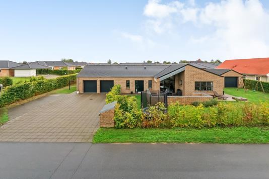 Villa på Isabellavænget i Odense N - Ejendommen