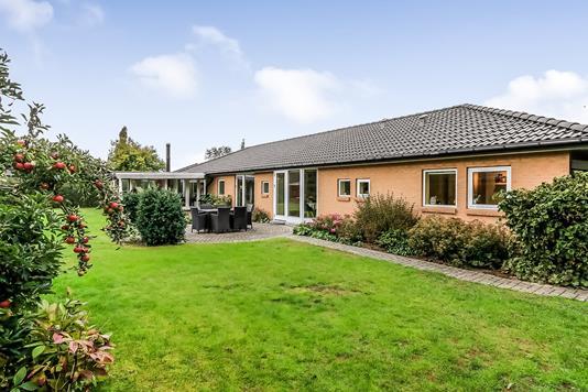 Villa på Bjørnemosevej i Odense S - Ejendommen