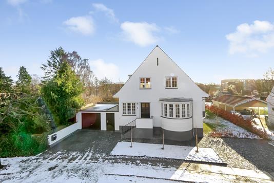 Villa på Ambrosius Stubs Vej i Odense C - Ejendommen
