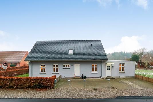 Villa på Søndersø Skovvej i Søndersø - Ejendommen