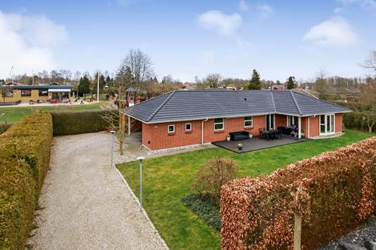 Villa på Rughøjvej i Odense SV - Ejendommen