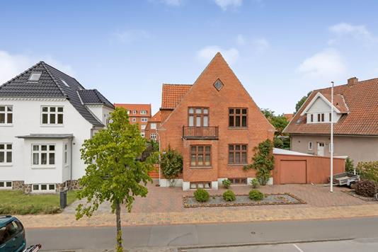 Villa på Reventlowsvej i Odense C - Ejendommen