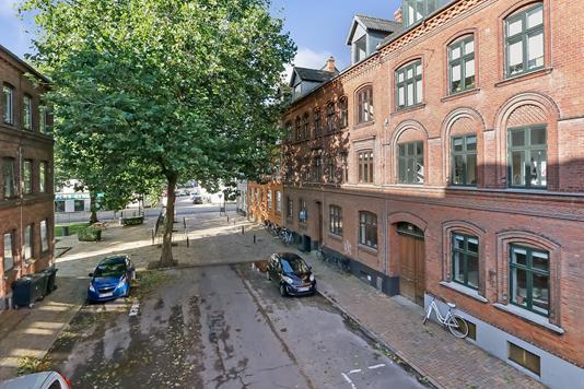 Ejerlejlighed på Dronningensgade i Odense C - Ejendommen
