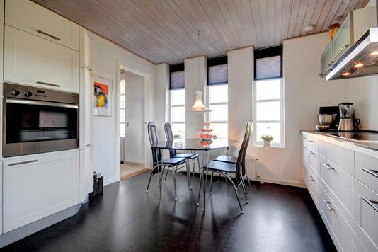 Villa på Tværgade i Ejby - Køkken