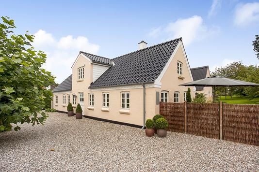 Villa på Lillegade i Ejby - Ejendommen