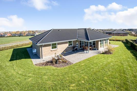 Villa på Søndermarken i Nørre Aaby - Ejendommen