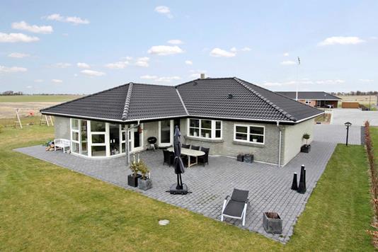 Villa på Egholmvænget i Assens - Mastefoto