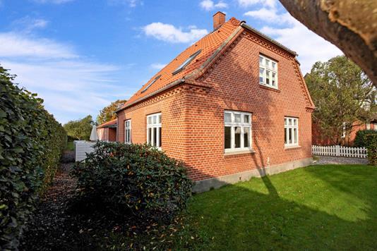 Villa på Hesbjergvej i Assens - Have
