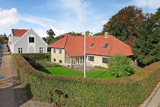 Villa på Møllevej i Assens - Set fra vejen