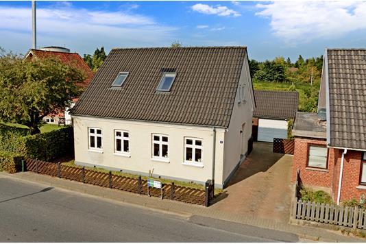 Villa på Fredensvej i Glamsbjerg - Ejendommen