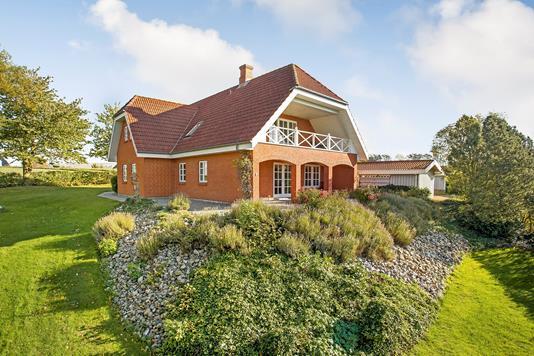 Villa på Strandbyvej i Haarby - Ejendommen