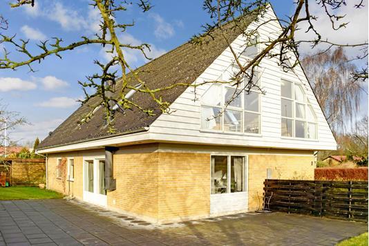 Villa på Bøgevænget i Ebberup - Ejendommen