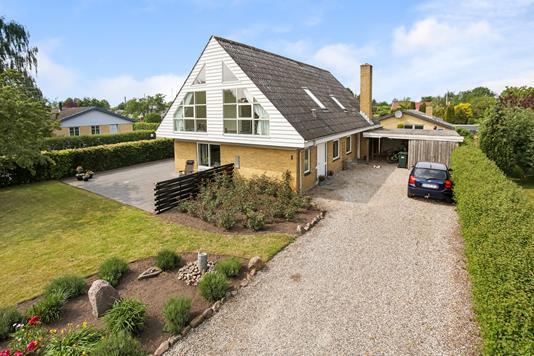 Villa på Bøgevænget i Ebberup - Indkørsel