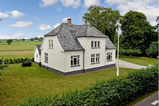 Villa på Sandager Kirkevej i Assens - Ejendommen