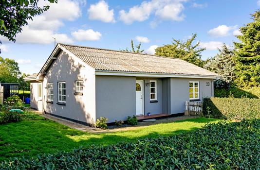Villa på Kirkevej i Haarby - Ejendommen