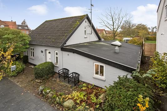 Villa på Nørregade i Glamsbjerg - Ejendommen