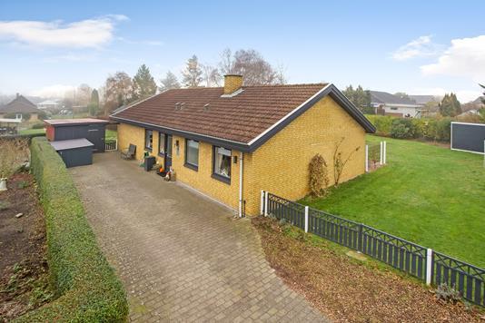 Villa på Pilehøjen i Ebberup - Ejendommen
