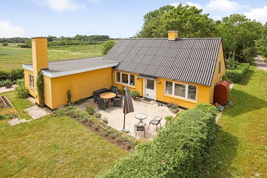Villa på Silkehusvej i Haarby - Ejendommen