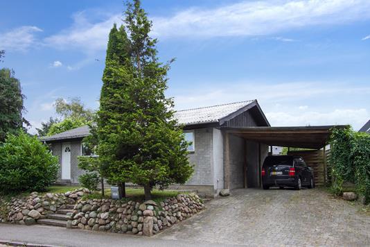 Villa på Skråvej i Næstved - Ejendommen