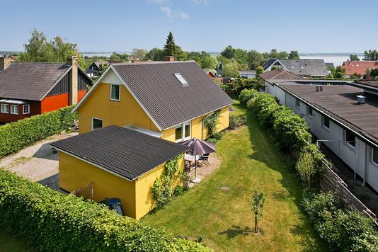 Villa på Fjordvænget i Næstved - Ejendommen