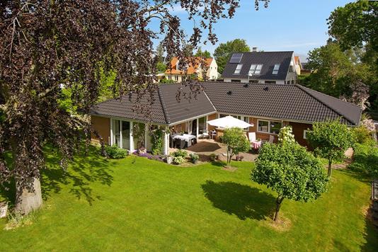 Villa på Fiskerlodden i Karrebæksminde - Set fra haven