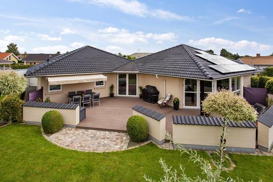 Villa på H C Lumbyes Vej i Næstved - Set fra haven