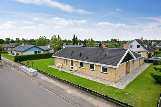 Villa på Bolbrovej i Næstved - Set fra vejen